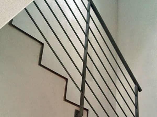 Montaggio-scale-giorno-Desio